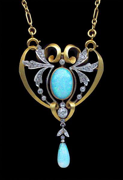 Pendant ca. 1900 via Tadema Gallery, Opal