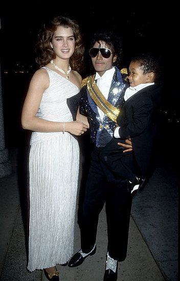 Brooke Shields+Michael Jackson+ Emmanuel Lewis hit the Grammy's red carpet together in 1984.