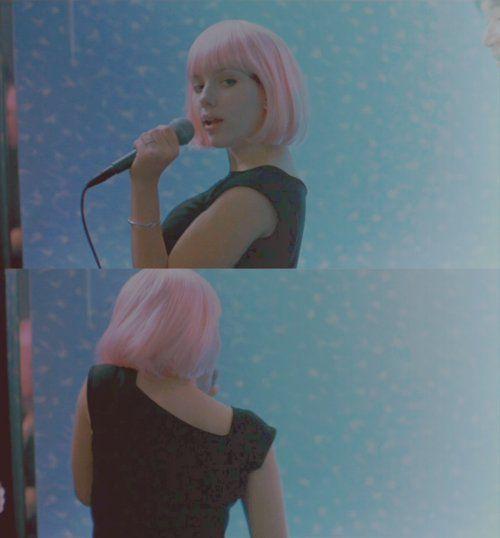 Lost In Translation (2003)  Sofia Coppola  Danke schoen, Oh darlin, Danke schoen, I said thank you for seeing me again...