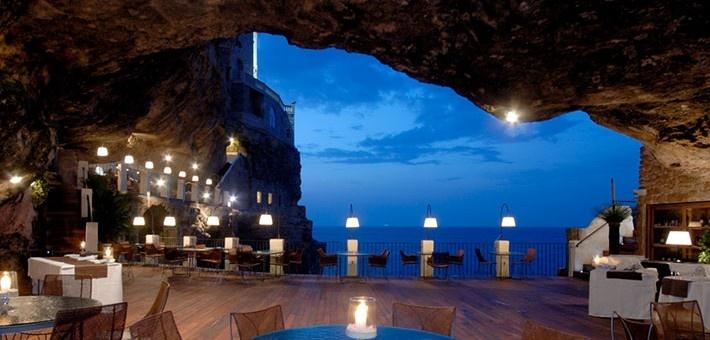 Ένα εκπληκτικό ξενοδοχείο λαξευμένο σε βράχο, με θέα την Αδριατική Θάλασσα.