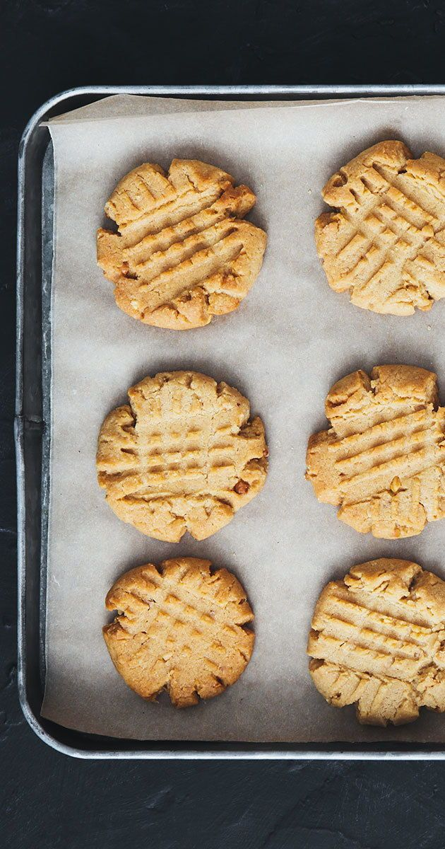 5-Ingredient Peanut Butter Cookies So Easy to Whip Up It's Actually Dangerous