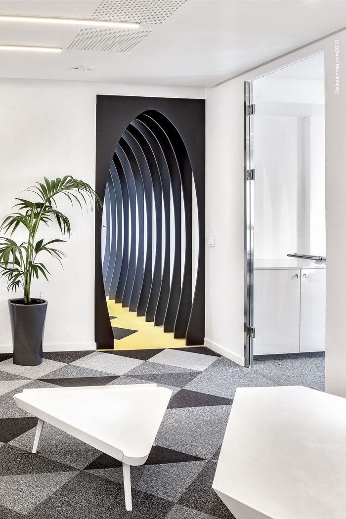 Cool Interior Office Designs With Plants: 17 Best Ideas About Cool Office Space On Pinterest