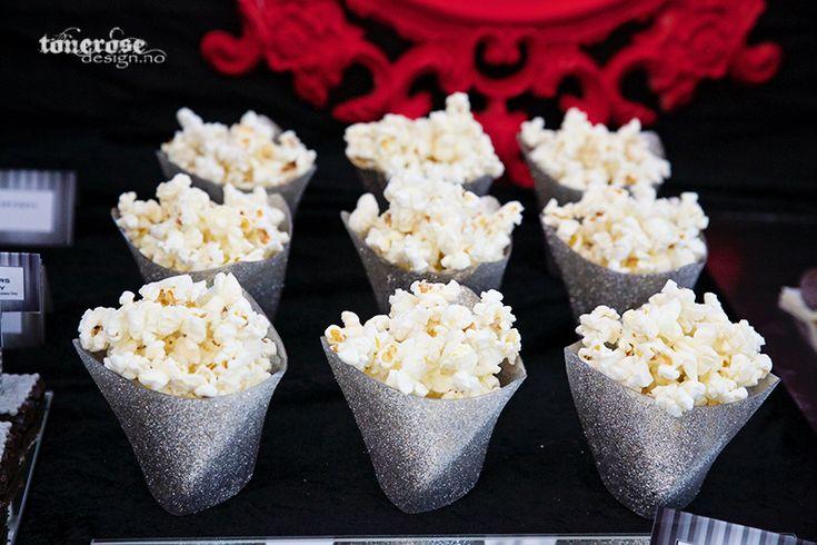 Glitter popcornboxes // diy // fifty shades of grey dessert table