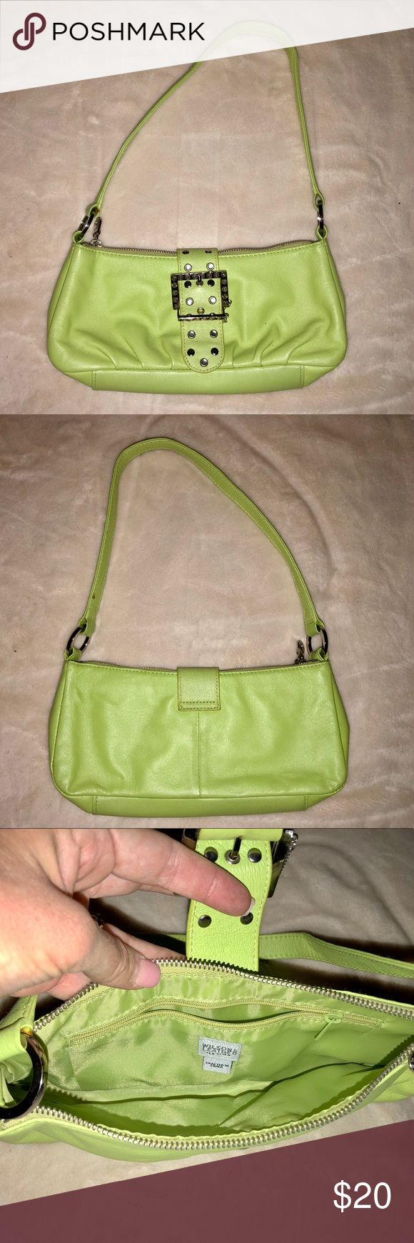 Wilson's Leather Purse Lime Green This preloved lime green