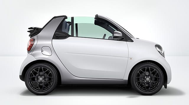 Three cars in one: the new smart fortwo cabrio.