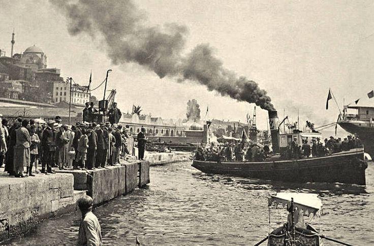 Eski İstanbul Fotoğrafları: Tophane Rıhtımı
