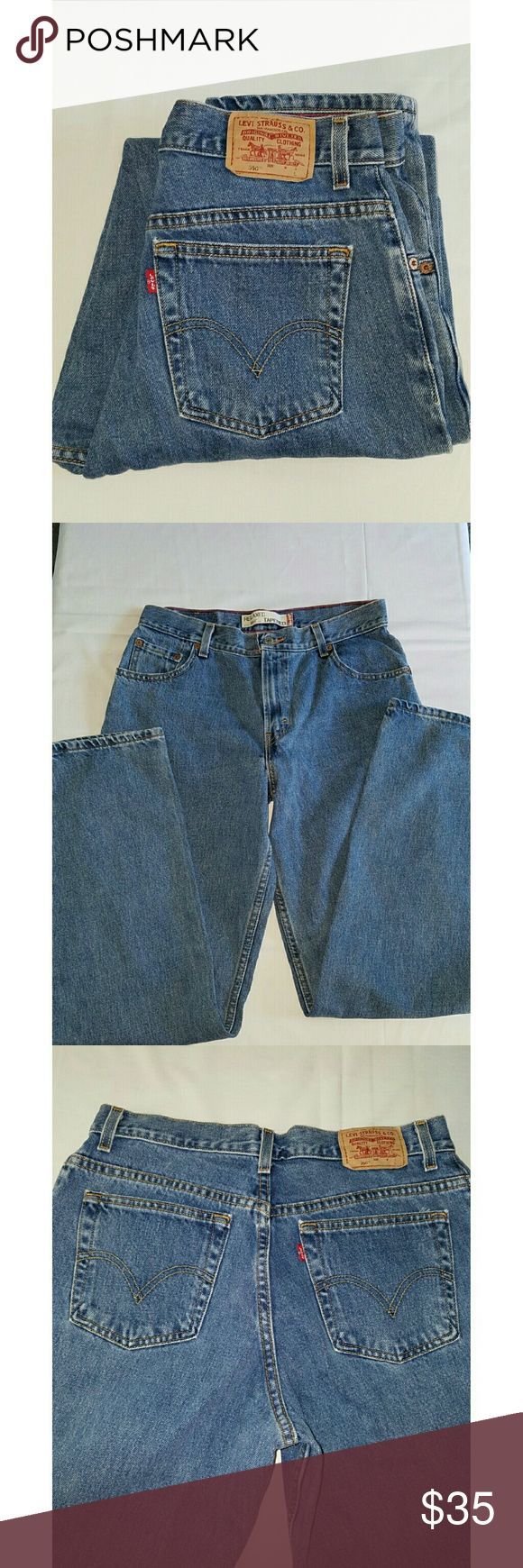 """🔊NEW🔊VTG LEVI'S 550 LIGHT WASH MOM JEANS VINTAGE LEVI'S 550 MOM LIGHT WASH JEANS Party like your """"mom"""" did, afterall it was good enough for her!! Waist is 15.5"""" rise is 12"""" and inseam is 33"""". All measurements are approximate and taken flat.  The size on label says 12 L and they are relaxed fit with tapered legs. Levi's Jeans"""