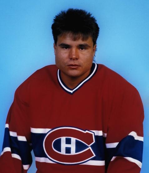John Kordic : Au cours des trois saisons qui ont suivi la conquête de la Coupe Stanley, Kordick a participé à 110 matchs avec le Canadien. Il est échangé à Toronto, avec un choix (6e ronde) au repêchage de 1989 en retour de Russ Courtnall, le 7 novembre 1988. Il a aussi joué avec les Capitals de Washington et les Nordiques de Québec. John Kordick est décédé à l'âge de 27 ans dans des circonstances nébuleuses dans un motel de l'Ancienne-Lorette (ville de Québec) le 8 août 1992.