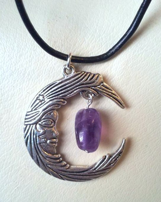 large moon choker with amethyst £7
