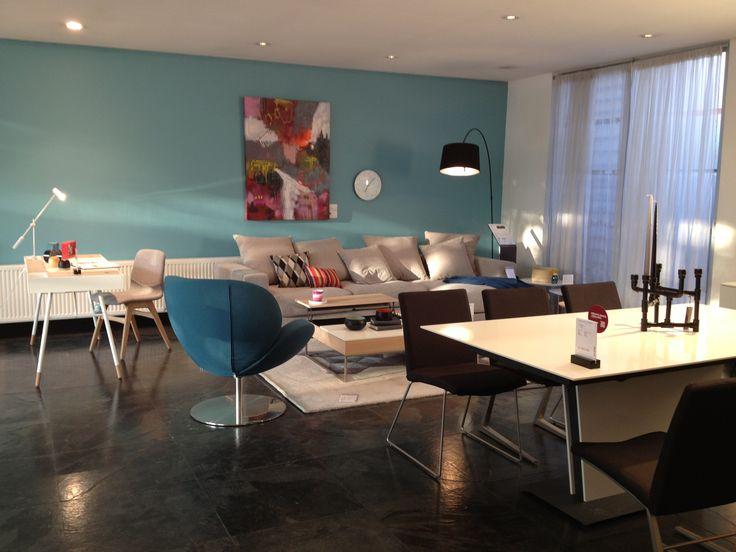 boconcept expanding dining table cenova sofa cupertino. Black Bedroom Furniture Sets. Home Design Ideas