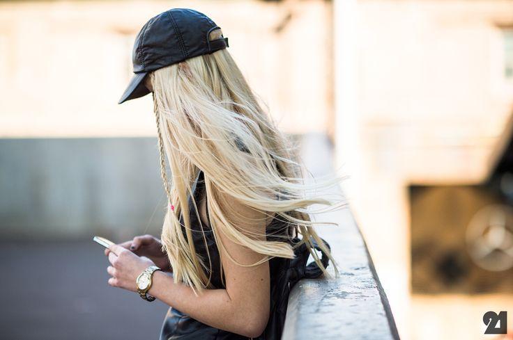 BlondeGirlHatBraidHair how to wear baseball hat