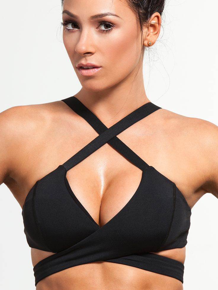 Wrap yourself in something gorgeous with the Phoenix Bra from Michi. Criss-crossed strappy action combines with an tremendously supportive yet adjustable fit to give this top some serious heat, and a seriously great look that you're going to love.