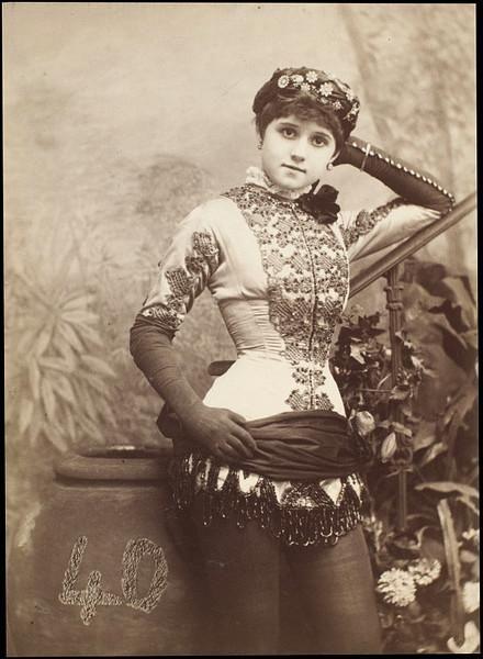 Saloon girl. Circa 1870-1890.