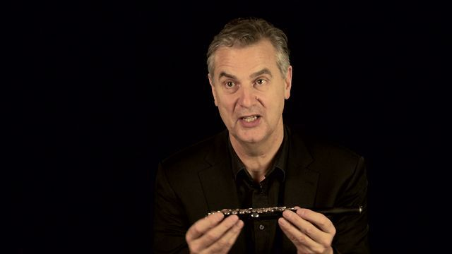 Instrument: Piccolo. In this film, Keith Bragg introduces his instrument - the piccolo.   To learn more about the piccolo visit http://www.p...