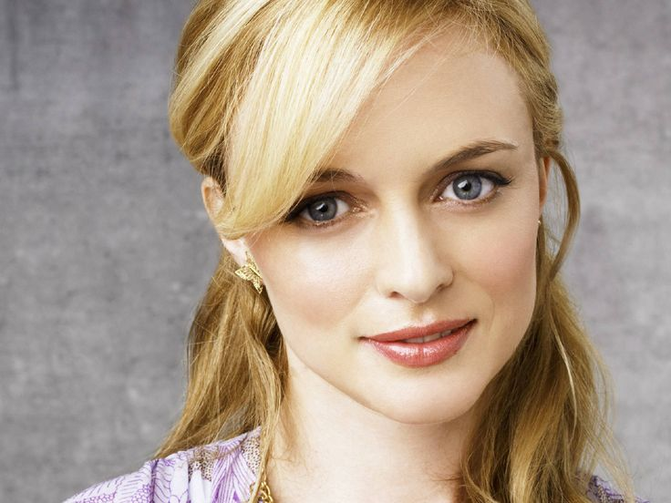 heather-graham-clear-spring. Heather Graham can wear group Bright Spring too.