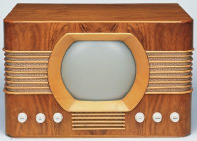 First TV produced by Bang & Olufsen, 1950.