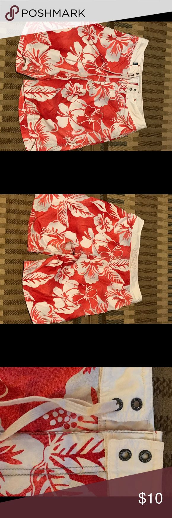 American Eagle Board Shorts Men's Red floral American Eagle Board Shorts - preowned - size 31 American Eagle Outfitters Shorts Athletic
