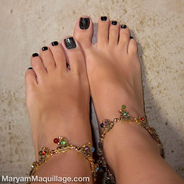 Tiya Sircar Shoe Size