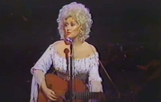 Dolly Parton Performing 'Coat Of Many Colors' Live In 1983 | Today's Country Music Videos