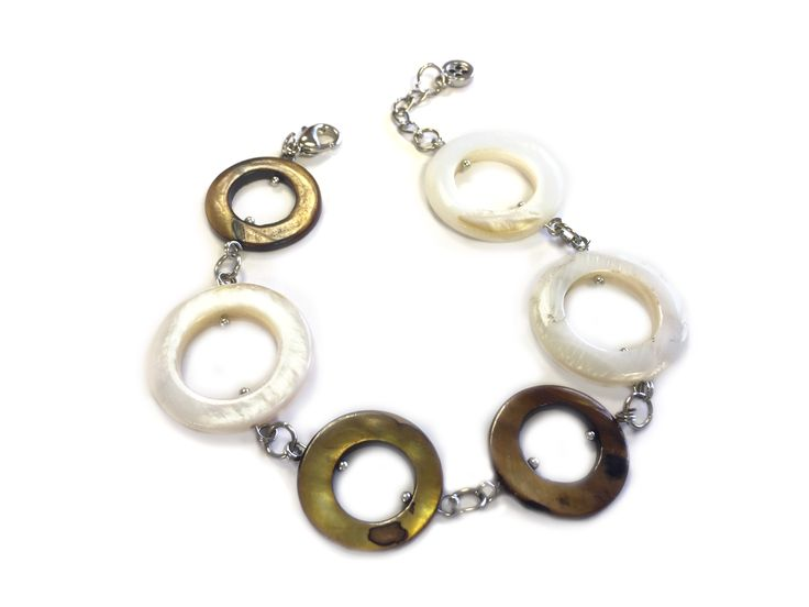 One Button mother of pearl circles bracelet #natural #coffee #mop #creamwhites #bracelet #accessories #onebutton Click to buy from the One Button shop.