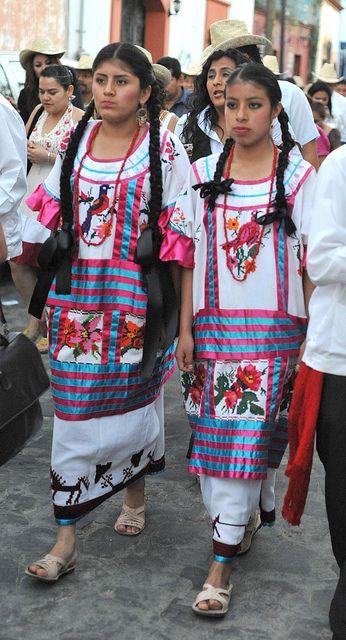 Huautla Women Oaxaca by Teyacapan, via Flickr
