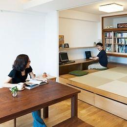 LDKと一体感のある畳スペースの部屋 リビング、小上がり和室