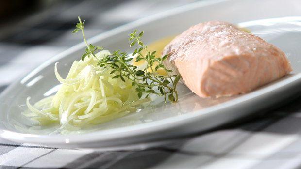 Pošírovaný losos s citronovou majonézou. Foto: