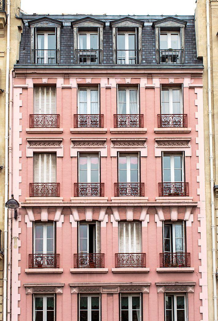 Fotografia di Parigi edificio rosa in Saint di ParisianMoments