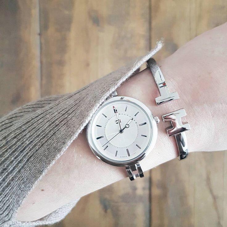 Biżuteria od Tommy Hilfiger świetnie uzupełni zimowe stylizacje  #tommyhilfiger  #tommyhilfigerwatch#weekend #relax #freetime #zegarki #watch #watches #butiki #swiss #butikiswiss #dlaniej #winter