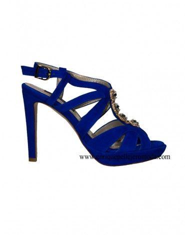 Daniela sandalias tacón azul eléctrico. Sandalias con tacón alto de 11 cm  aproximadamente color azul eléctrico. Zapatos de ante marca Daniela con  tiras y ... 115cea49bcacc