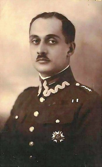Veli bey Sadiq bey oglu Yedigarov (October 31, 1897 Tekeli, Borchali, Georgia - 1971 Buenos Aires, Argentina) - Russian, Azerbaijani and Polish military leader. I World War, a volunteer arrives in the 1st Daghestan cavalry regiment. Member Brusilovskii proryva. In 1918, Veli-bey returned to Azerbaijan and to enlist in the Armed Forces of the Democratic Republic of Azerbaijan. In March 1921, he emigrated to Turkey, and then, in the autumn of 1922 through Romania to Poland.