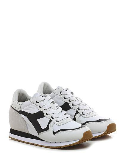 DIADORA Heritage - Sneakers - Donna - Sneaker in camoscio, pelle e tessuto con finiture gommate e suola in gomma. Tacco 50, platform 15 con battuta 35. Zeppa interna. - WHITE\BLACK - € 180.00