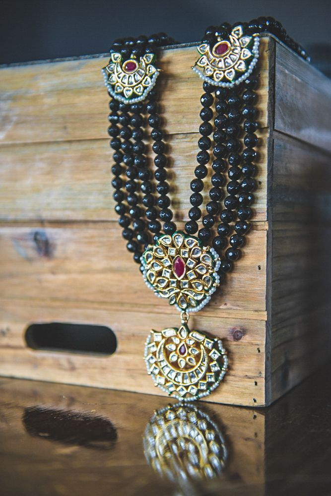 Black White and Gold Themed Bridal Shoot & 3179 best ??Jewelry Box 1? images on Pinterest | Indian ... Aboutintivar.Com