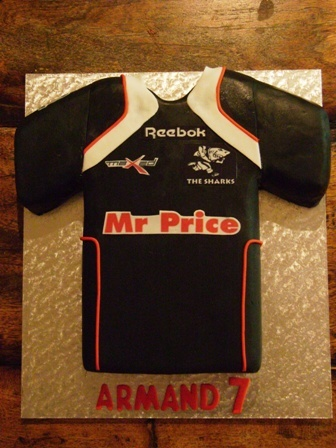 Shark's rugby jersey cake