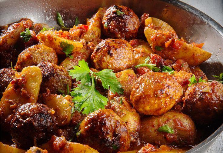 Spanske kjøttboller med patatas bravas