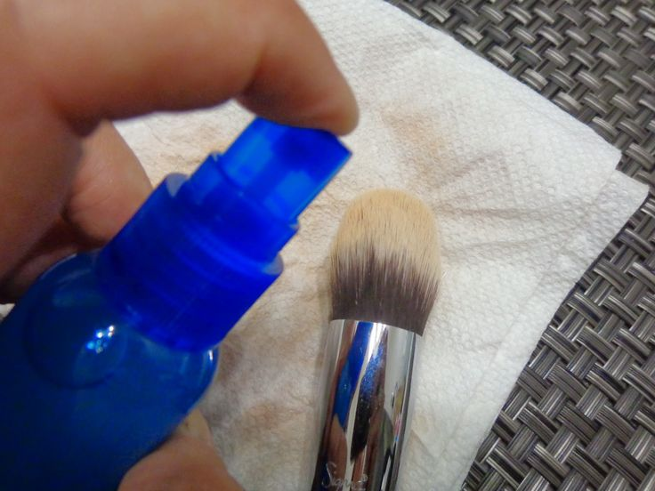 DIY Daily Makeup Brush Cleaner - keep your brushes fresh in between washings! http://msadventuresinmakeup.blogspot.com/