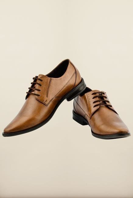 a488e1692 Buy Bata   Lee Cooper Mens Footwears Minimum 70% Off From Rs.450 At Jabong