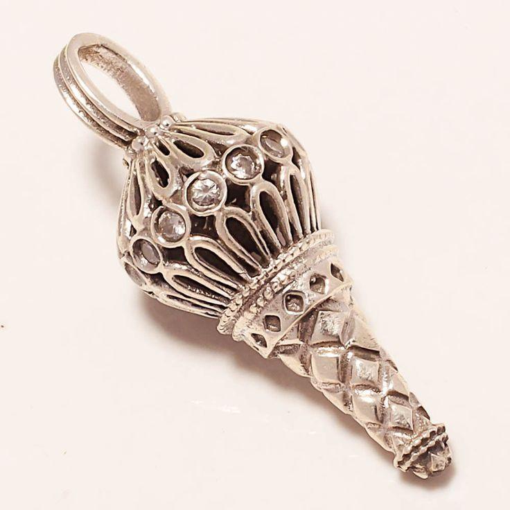 38 best silver pendants images on pinterest silver pendants diamond jewellery and diamond jewelry. Black Bedroom Furniture Sets. Home Design Ideas