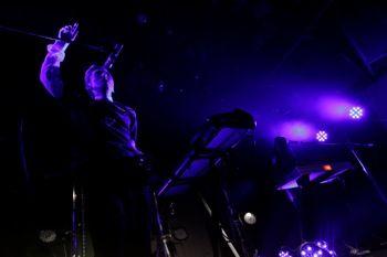 minus(-)の1stライブが5月30日、高円寺HIGHにて開催された。これのライブは音楽雑誌『音楽と人』のイベ...
