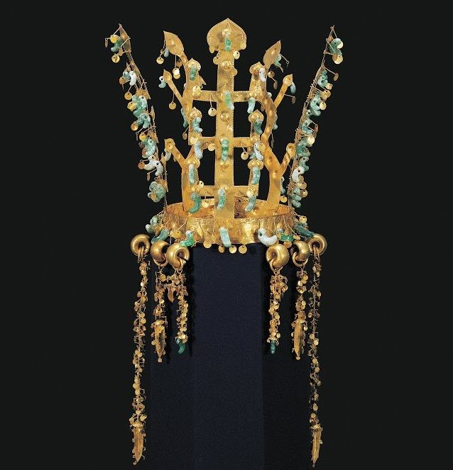 Gold crown from the tomb in Gyeongju, SouthKorea ca 5th century CE.