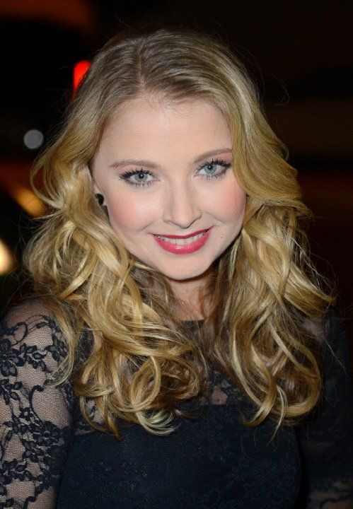 Elisabeth Harnois. Elisabeth was born on 26-5-1979 in Detroit, Michigan as Elisabeth Rose Harnois. She is an actress, known for All My Children, Keith, CSI: Crime Scene Investigation, and Ten Inch Hero.