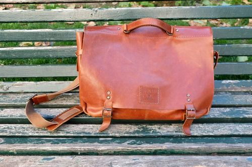 Interview with Bruno Pereira - Aire Messenger Bag
