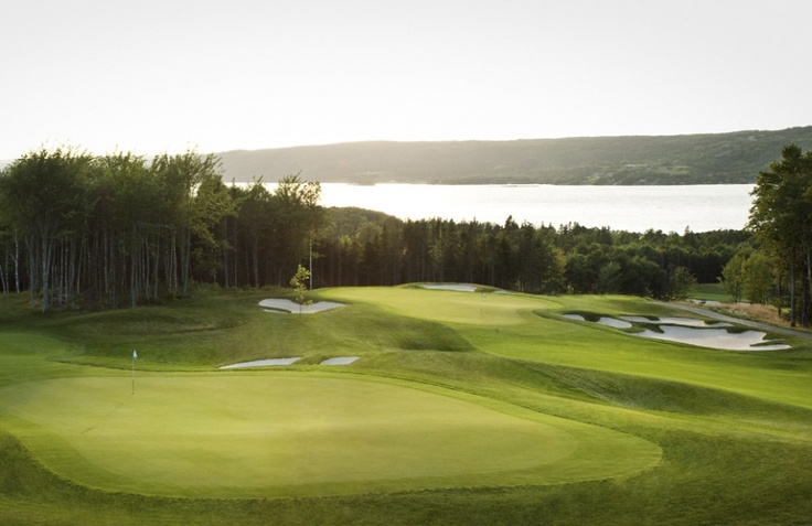 The Graham Cooked-designed course showcases the area's oustanding lake views.