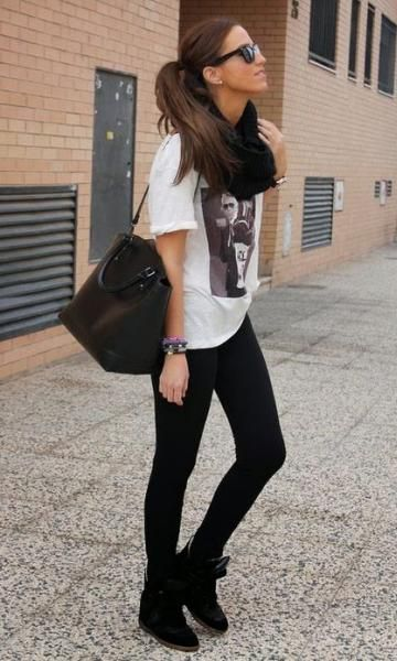 Look com Legging: T-Shirt + Cachecol