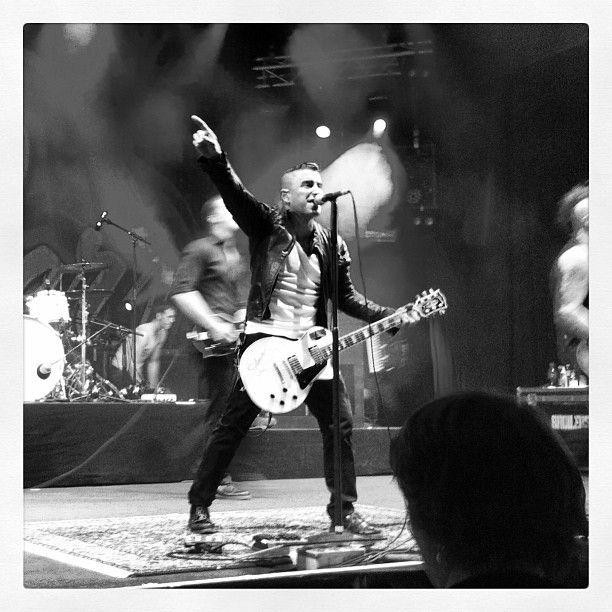 .@annylavolpe | #broilers #concert #festival #openair #gurtenfestival #punk #singer