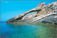 Ile Othoni Grece, une ile ionienne paradisiaque à l'ouest du pays à voir une fois dans sa vie. Si vous désirez des vacances tranquilles sur une ile peu touristique, je vous suggère de visiter l'ile grecque d'Othoni.