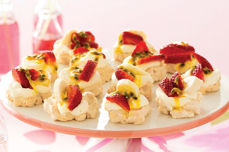 Pavlova is an Australian favourite. Delight your guests by filling it with whipped cream and the best seasonal fruits.