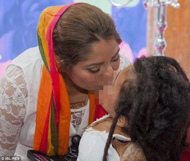 Pasangan Muslim Lesbian Ini Berkahwin Dan Bakal Dijatuhkan Hukuman mati | Drama Dunia