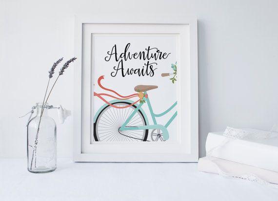 """STAMPABILE """"Avventura attende"""" Bike Stampa artistica biciclette stampa arte bicicletta blu floreale stampa artistica viaggio stampa artistica viaggio parete floreale arte arte"""