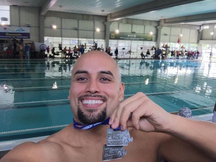 Felicitamos a nuestro socio triatleta Oliver López quien logró el segundo lugar en 200 metros combinados y 200 metros libres en la Copa Master de Natación de Providencia.